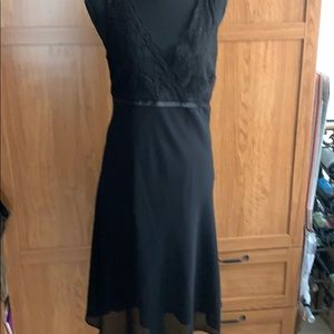 Jones Wear black and lace gorgeous dress